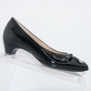 Sofft black patent square toe bow heels 7N